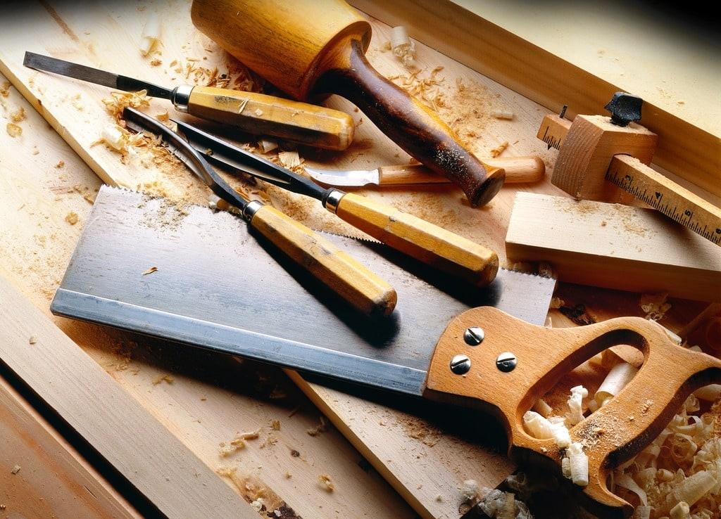 Astuces pour réparer une vis mal fixée dans le bois